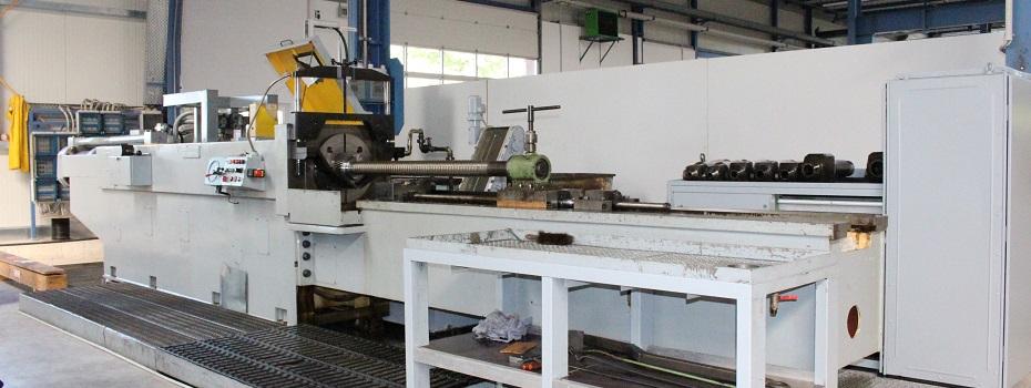 halbautomatische, horizontale Räumaschine